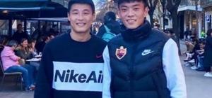 中甲球隊深圳佳兆業在西班牙巴塞羅那拉練 觀賽學習