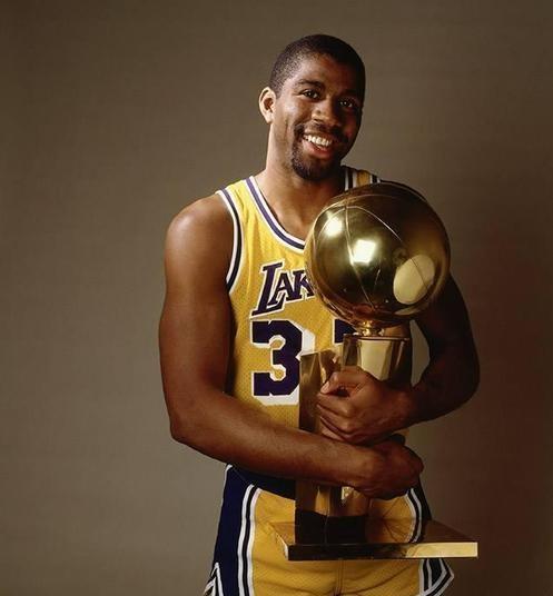 盤點NBA曆屆32號球衣的代表人物