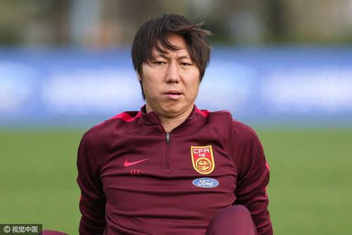國足教練李鐵透露在16歲時就有這個習慣,習慣原因十分有意思