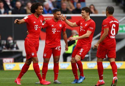 拜仁客場6比0完勝霍芬海姆 台球迷橫幅攻擊霍普