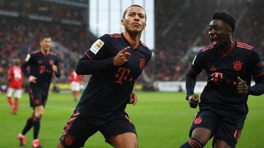蒂亞戈連過3人成功破門 拜仁3-1大勝美因茨