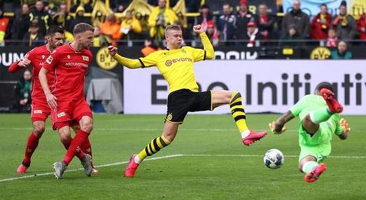 【戰報】2月1日德甲 多特主場5比0柏林聯合 哈蘭德成功造點梅開二度