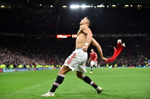 C罗读秒绝杀-欧冠C罗读秒绝杀曼联2比1获胜